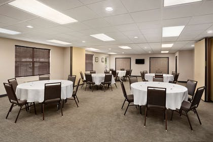 Meeting Room   Country Inn & Suites by Radisson, Charlotte University Place, NC