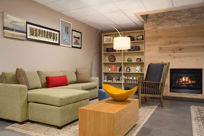 Lobby   Country Inn & Suites by Radisson, Charlotte University Place, NC