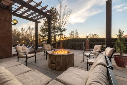 Fire Pit   Country Inn & Suites by Radisson, Lake Norman Huntersville, NC