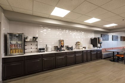 Breakfast Area   Country Inn & Suites by Radisson, Lake Norman Huntersville, NC