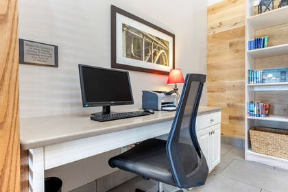 Business Center | Country Inn & Suites by Radisson, Lumberton, NC