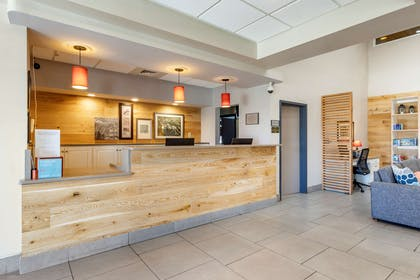 Front Desk | Country Inn & Suites by Radisson, Lumberton, NC