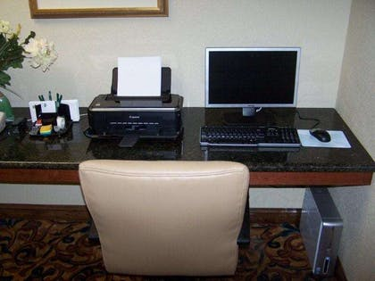 Business Center   Country Inn & Suites by Radisson, Wilson, NC