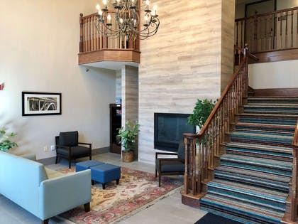 Lobby   Country Inn & Suites by Radisson, Bismarck, ND
