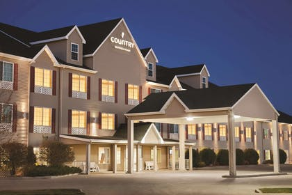 Hotel Exterior   Country Inn & Suites by Radisson, Bismarck, ND