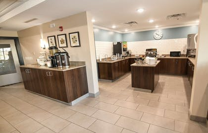 Servery   Country Inn & Suites by Radisson, Grand Forks, ND