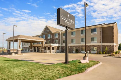 Hotel Exterior | Country Inn & Suites by Radisson, Minot, ND