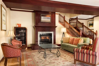 Lobby | Country Inn & Suites by Radisson, Kearney, NE