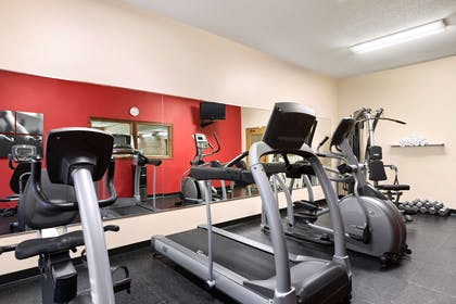 Fitness Center | Country Inn & Suites by Radisson, Kearney, NE
