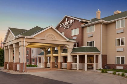 Exterior | Country Inn & Suites by Radisson, Lincoln North Hotel and Conference C