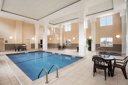 Pool   Country Inn & Suites by Radisson, Manchester Airport, NH