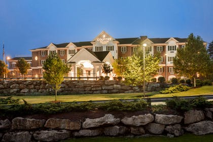 Hotel Exterior   Country Inn & Suites by Radisson, Manchester Airport, NH