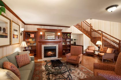 Lobby   Country Inn & Suites by Radisson, Manchester Airport, NH