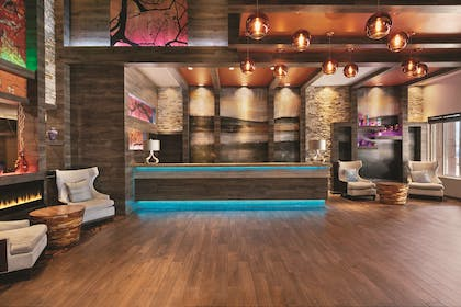 Front Desk | Country Inn & Suites by Radisson, Newark Airport, NJ