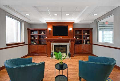 Lobby | Country Inn & Suites by Radisson, Rochester-University Area, NY