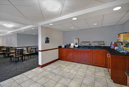 Breakfast Area | Country Inn & Suites by Radisson, Rochester-University Area, NY