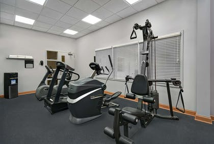 Fitness Center | Country Inn & Suites by Radisson, Rochester-University Area, NY
