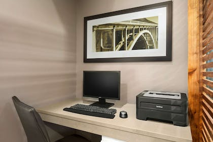 Business Center   Country Inn & Suites by Radisson, Columbus Airport, OH
