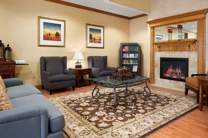 Lobby | Country Inn & Suites by Radisson, Cuyahoga Falls, OH