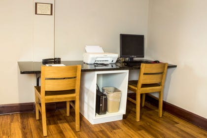 Business Center | Country Inn & Suites by Radisson, Dayton South, OH