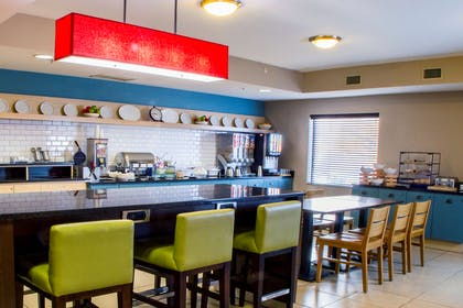 Breakfast Room | Country Inn & Suites by Radisson, Dayton South, OH