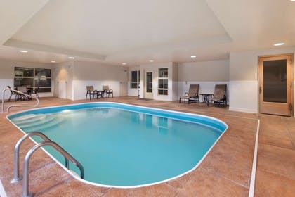 Pool | Country Inn & Suites by Radisson, Dayton South, OH