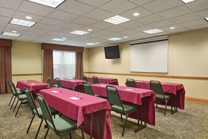 Meeting Room   Country Inn & Suites by Radisson, Elyria, OH