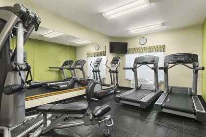 Fitness Center   Country Inn & Suites by Radisson, Elyria, OH