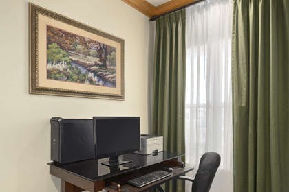 Business Center   Country Inn & Suites by Radisson, Elyria, OH