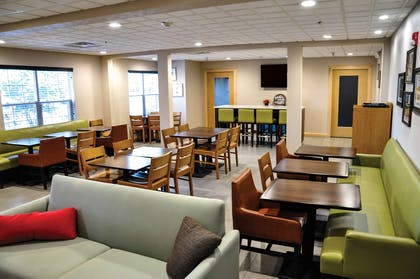 Breakfast Area | Country Inn & Suites by Radisson, Fairborn South, OH