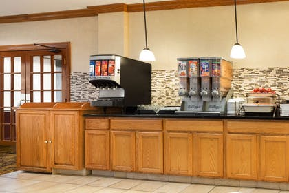 Breakfast Room | Country Inn & Suites by Radisson, Macedonia, OH
