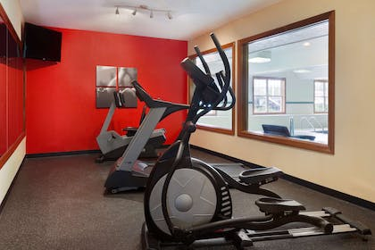 Fitness Center | Country Inn & Suites by Radisson, Macedonia, OH