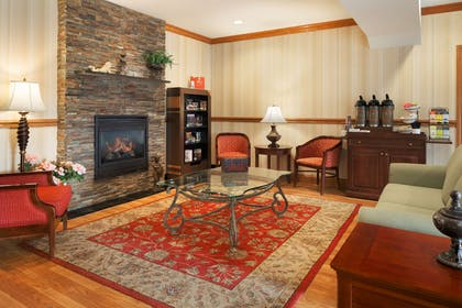 Lobby | Country Inn & Suites by Radisson, Macedonia, OH