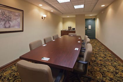 Meeting Room   Country Inn & Suites by Radisson, Mansfield, OH