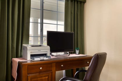 Business Center   Country Inn & Suites by Radisson, Marion, OH