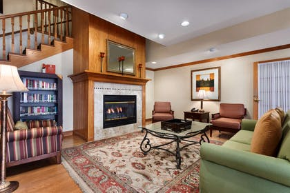 Lobby   Country Inn & Suites by Radisson, Marion, OH