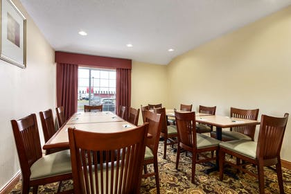 Meeting Room   Country Inn & Suites by Radisson, Marion, OH