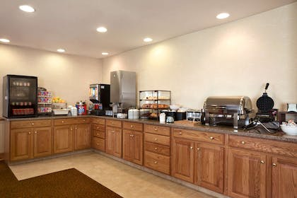 Breakfast Room   Country Inn & Suites by Radisson, Toledo, OH