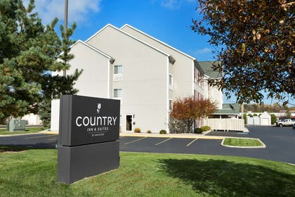 Hotel Exterior   Country Inn & Suites by Radisson, Toledo, OH