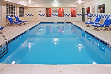 Pool | Country Inn & Suites by Radisson, Youngstown West, OH