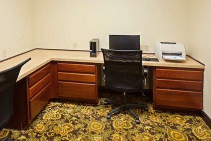 Business Center | Country Inn & Suites by Radisson, Youngstown West, OH