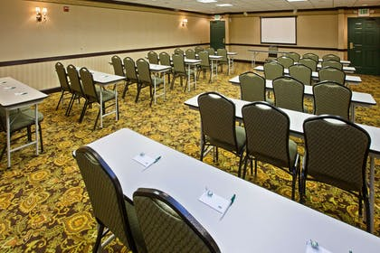 Meeting Room | Country Inn & Suites by Radisson, Youngstown West, OH