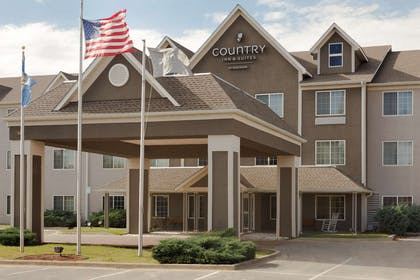 Exterior | Country Inn & Suites by Radisson, Norman, OK