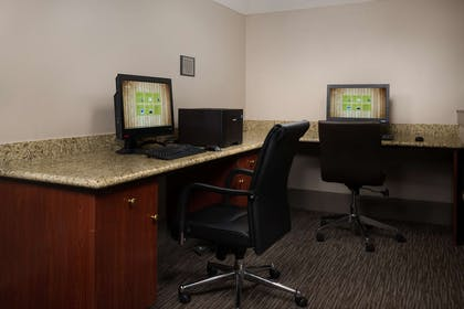 Business Center | Country Inn & Suites by Radisson, Portland International Airport, OR