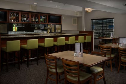 Restaurant Bar | Country Inn & Suites by Radisson, Portland International Airport, OR