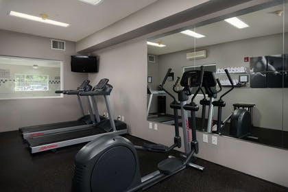 Fitness Center | Country Inn & Suites by Radisson, Portland International Airport, OR