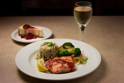 Entree | Country Inn & Suites by Radisson, Portland International Airport, OR
