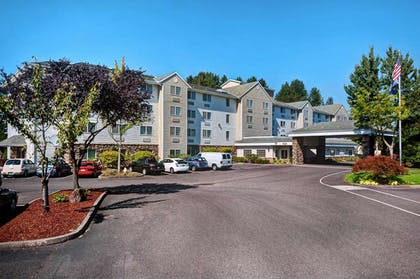 Exterior | Country Inn & Suites by Radisson, Portland International Airport, OR