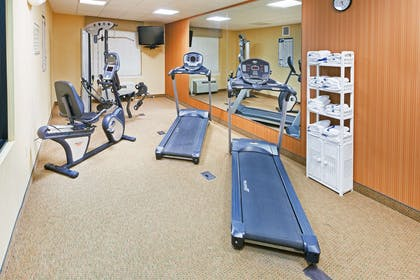 Fitness Room   Country Inn & Suites by Radisson, Chambersburg, PA