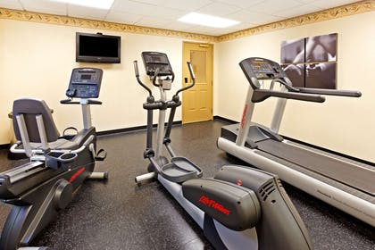 Fitness Room   Country Inn & Suites by Radisson, Harrisburg Northeast (Hershey), PA